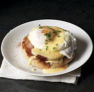 The key to this brunch classic is delicious simplicity: poached fresh eggs, Canadian bacon, toasted English muffins, and an authentic hollandaise sauce.