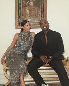 Kim Kardashian says Kanye West wasn't talking about R. Kanye West And Kim, Kim Kardashian Kanye West, Kardashian Style, Kardashian Jenner, Kanye West Mom, Kylie Jenner, Kanye West Family, Kim Kardashian Family, Kardashian Kollection
