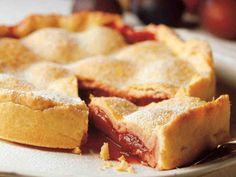 Luumupiirakka Apple Pie, Cornbread, Ethnic Recipes, Desserts, Food, Recipes, Millet Bread, Tailgate Desserts, Deserts