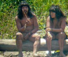 Novas fotos revelam estilo de vida de tribo isolada na Amazônia