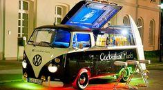 Submission to 'Creative Food Trucks' Vw Camper Bus, Volkswagen Bus, Mini Camper, Volkswagen Transporter, Vw Caravan, Volkswagen Beetles, Vw T5, Campers, Vw Bugs