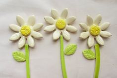 Hey, I found this really awesome Etsy listing at https://www.etsy.com/listing/249439823/ceramic-mosaic-tiles-daisy-flowers
