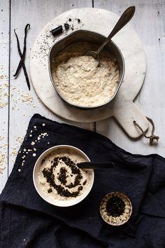 Coconut Oat porridge with licorice chia jam