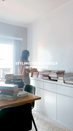Apartment Interior Design, Interior Design Tips, Home Office Organization, Organizing, Usa Health, Rental Homes, Apartment Hacks, Home Libraries, Homestead Living