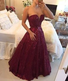 Vestido vinho com cinto – Vestidos de 15 Anos