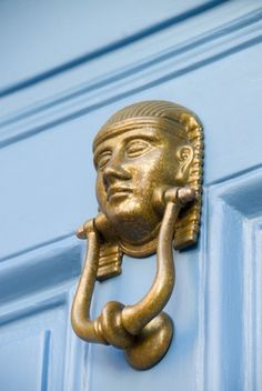 How to Clean a Brass Door Knocker