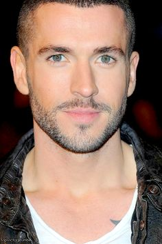 Shayne Ward from original Pinner I dont think ive ever seen eyes that color they look kinda grey thats cool :) Most Beautiful Man, Beautiful Eyes, Hello Beautiful, Shayne Ward, Hot Guys Eye Candy, Scruffy Men, Gray Eyes, Book Boyfriends, Guy Pictures