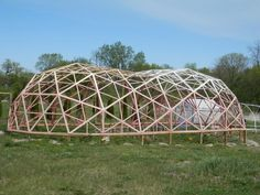 700 ft² geodesic tunnel greenhouse (greenhouses forum at permies) Tunnel Greenhouse, Geodesic Dome Greenhouse, Geodesic Dome Homes, Greenhouse Plans, Earthship, Bubble House, Dome Structure, Dome Tent, Dome House