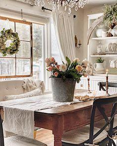 Shabby Chic Interior Design Ideas For Your Home Shabby Chic Interiors, Shabby Chic Decor, Shabby Chic Style, Home Interior, Interior Design, Interior Ideas, Romantic Cottage, Romantic Homes, Decoration Inspiration