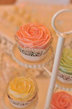 Cupcakes en Palma de Mallorca Chocolate, Icing, Cupcakes, Desserts, Food, Birthday Cake, Candy Stations, Palmas, Majorca