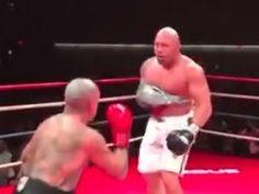 Ex-UFC luta com um braço só e nocauteia no boxe; veja o vídeo (Reprodução/ YouTube) Videos Online, Ufc, Wrestling, Youtube, Boxing, Entertainment, Hs Sports, Lucha Libre, Youtubers