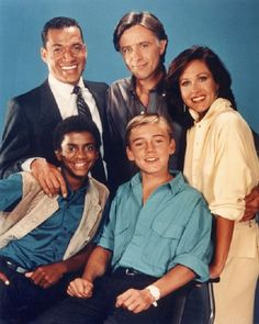 Silver Spoons (1982-1987) The Cast included Franklyn Seales as Dexter Stuffins the business manager seasons 2-5 and also Alfonso Ribeiro as Alfonso Spears seasons 3-5.