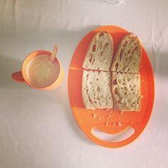 O nosso #PequenoAlmoço de hoje! #breakfast #bread #milk #Coffee