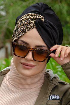 Hijab Turban Style, Mode Turban, African Hair Wrap, African Head Wraps, Turban Headband Tutorial, Turban Headbands, Head Turban, Hair Wrap Scarf, Fancy Hats