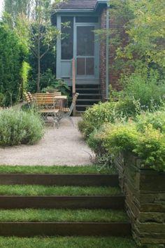 Grass Steps Outdoor Dining Room