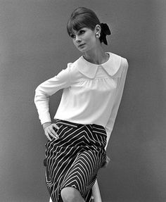 'Chevron Printed Skirt by John French' by John French (looks as if model may be Jean Shrimpton) Fashion Images, Fashion Photo, Fashion Models, Fashion Trends, Jean Shrimpton, 1960s Fashion, Vintage Fashion, Colleen Corby, Swinging London