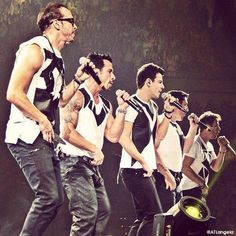 New Kids On The Block- Package Tour-Looks like Right Stuff