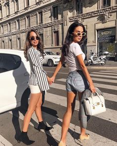 """1,866 mentions J'aime, 97 commentaires - Mathilda (@mathilda.annao) sur Instagram : """"Running late as per usual with sis @johannaeolsson 💁🏻#milan #iloveitaly #mfw #sis #versace…"""""""