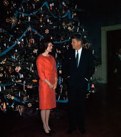 Jacqueline and John Fitzgerald Kennedy Posing with The White House Christmas Tree White House Christmas Tree, Christmas And New Year, Christmas Trees, Vintage Christmas, Merry Christmas, West Palm Beach, Puerto Rico, Christmas Portraits, Christmas Photos