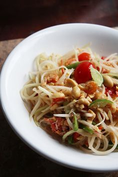 How to Make Thai Green Papaya Salad (Som Tam or -- shudder -- Som Tum or Som Tom) with or without a Mortar