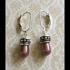 Premier designs Jewelry - Nwot Premier Designs taupe pearl drop earrings