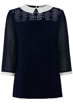 Daisy yoke collar blouse - peter pan collar detail and lace.