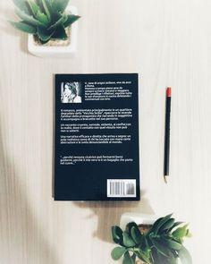 Lentamente non è un libro scritto bene. Presenta errori di scrittura di vario tipo uno stile fin troppo semplice e laconico e una struttura debole. La protagonista nasce a circa metà del romanzo dopo che è stato presentato un capitolo per volta il resto della famiglia con tutti i problemi annessi e connessi. Non ci sono dialoghi o scene forti vibranti di vita solo brevi aneddoti. In realtà quello che è il romanzo finito purtroppo assomiglia molto agli appunti che un autore più esperto… Lettering, Instagram, Drawing Letters, Letters, Character, Texting, Calligraphy