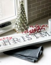 merry christmas berries and branches pedestal tray