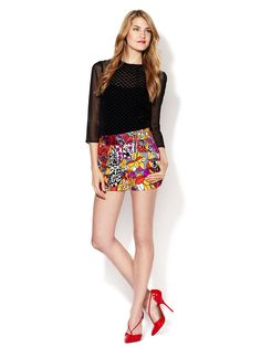 great colorful shorts outfit :)