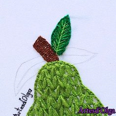 hand embroidery stitches for crazy quilts Diy Embroidery Patterns, Hand Embroidery Projects, Basic Embroidery Stitches, Hand Embroidery Videos, Hand Embroidery Flowers, Embroidery Stitches Tutorial, Flower Embroidery Designs, Creative Embroidery, Learn Embroidery