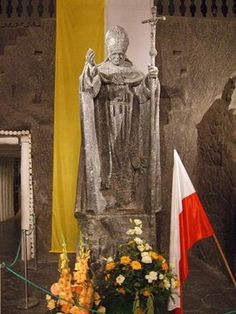 Wieliczka Salt Mine: beautiful place. would like to go again