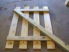 How to – Simple Picket Garden Gate - Zaun Ideen Wooden Garden Gate, Diy Garden Fence, Wooden Gates, Wooden Fence, Garden Steps, Garden Bed, Backyard Gates, Garden Gates And Fencing, Picket Fence Gate