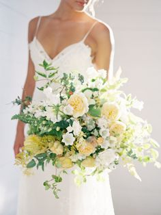 Blue Wedding Flowers Natural, Lush Green White Wedding Inspiration - A wedding inspiration shoot designed around the idea of lush florals, carefully curated details, and organic styling. Yellow Wedding Flowers, Bridal Flowers, Flower Bouquet Wedding, Floral Wedding, Wedding Colors, Yellow Flowers, Light Yellow Weddings, Flower Bouquets, Wedding Dress