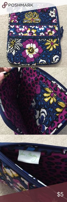 Vera Bradley African Violet Laptop Case This is a Vera Bradley laptop case that is almost in perfect condition. This was used once with no marks. Velcro pocket inside. Fits MacBook, Chromebook, and some PC laptops. Prices are negotiable. Vera Bradley Bags Laptop Bags