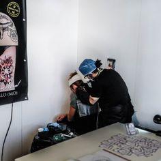 Adam @ Passion Art tattoo convention Bolzano - Violet Fire Tattoo - tatuaggi…