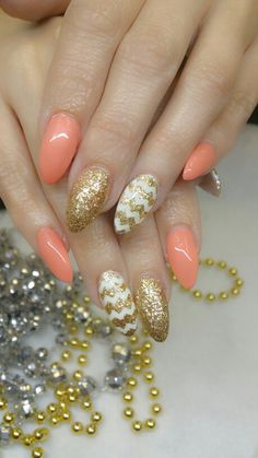 Peach fuzz nails