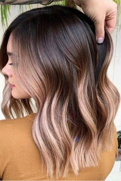 10 Trendy Hair Colors You'll Be Seeing Everywhere in 2020 Hair Color Trends 2020 Blushed Chocolate Brown New Hair Colors, Brown Hair Colors, New Hair Color Trends, Best Hair Color, Winter Hair Colors, Fall Hair Trends, Cute Hair Colors, Different Hair Colors, What Hair Color Is Best For Me