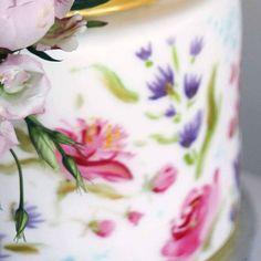 Detale z ręcznie malowanego tortu slubnego  #cake #cakestagram #wedding #weddingcake #weddingstagram…