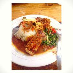 Nasi Ayam Bu Oki, jimbaran - bali. Foodgasm !