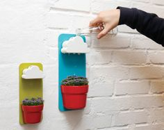 "Nuage arrosoir ""Rainy Pot"" by Seungbin Jeong -- waters small indoor plants bit by bit throughout the day Wall Mounted Planters, Wall Planters, Hanging Pots, Hanging Herbs, Herb Planters, Goods Home Furnishings, Plantar, Red Dots, Cool Gadgets"