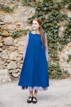https://www.sondeflor.com/products/iris-blue-flattering-apron?variant=28199769345