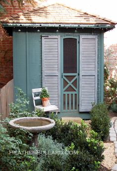 And another one! Love the color and the screen door!!!