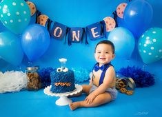 Baby boy photography 1 year mickey mouse Ideas for 2019 First Birthday Cookies, 1st Birthday Photoshoot, Baby Boy 1st Birthday Party, Birthday Cake Smash, Birthday Ideas, Monster 1st Birthdays, Monster Birthday Parties, Cookie Monster Party, 1 Year