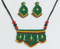 Green Thread Necklace and Earrings (Thread))