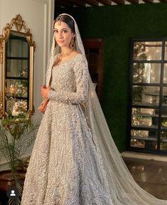 Asian Wedding Dress Pakistani, Asian Bridal Dresses, Simple Pakistani Dresses, Indian Bridal Lehenga, Indian Bridal Outfits, Wedding Dresses For Girls, Indian Dresses, Fancy Dress Design, Walima Dress