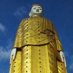 Що позначають отвори в статуї Будди? вікна! Лечжун-Сасачжа в Бірмі є другим за величиною пам'ятником в світі, розміром 116 метрів (плюс 13,5 м. на трон). Всі три найбільші пам'ятники світу - присвячені Будді.