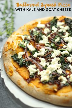 Butternut Squash Pizza with Kale and Goat Cheese - a simple, delicious homemade pizza recipe with the best flavors of fall!