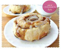 une gamine dans la cuisine: Thanksgiving morning, yeast-free cinnamon buns