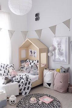 Inspiration from Instagram - @blogsachi - pastel girls room ideas, pink and grey girls room design, kidsroom decor, girls kidsroom, powder