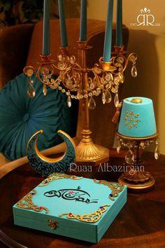 RAMADAN DYI decorate a wooden box as Eid gift with chocolates inside Ramadan Activities, Ramadan Crafts, Ramadan Decorations, El Ramadan, Muslim Ramadan, Diy Craft Projects, Diy And Crafts, Projects To Try, Dyi